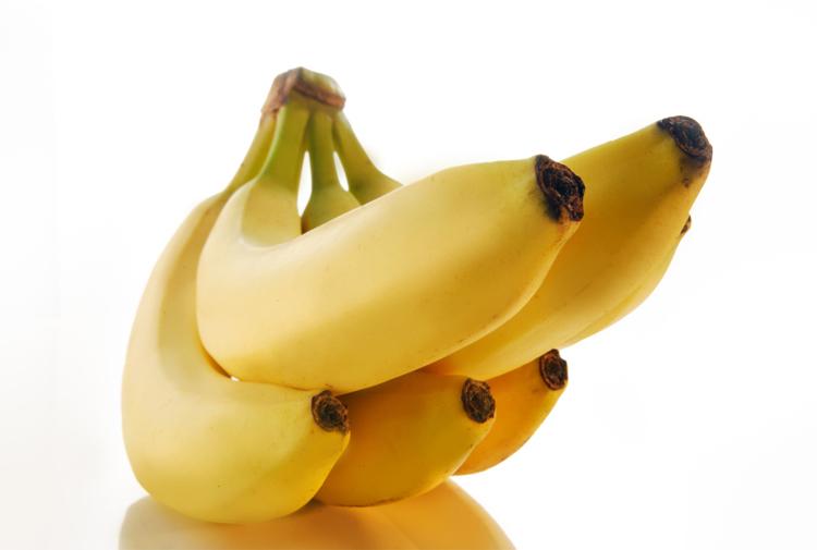 Thực phẩm nên ăn:  Chuối  Chuối rất giàu kali, giúp tăng năng lượng và nhanh chóng phục hồi cơ thể. Loại trái cây này còn là nguồn chứa carbohydrate dồi dào, giúp cơ thể khỏe mạnh và thúc đẩy khả năng sinh sản.