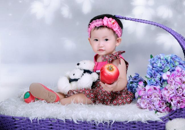 Nhím là tên mẹ hay gọi mình chứ ông bà và bố vẫn gọi mình là Linh.