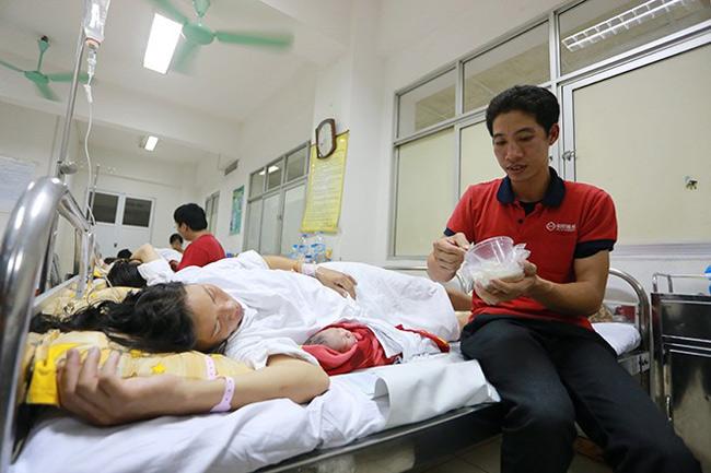 Bé gái Nguyễn Thị Thùy Dung chào đời lúc 2h45 sáng 1/11, bé gái nặng 3,2kg tại Bệnh viện Phụ sản trung ương (Hà Nội). Bố em là Nguyễn Văn Dũng (31 tuổi), mẹ là Lê Thị Duyên (26 tuổi). Gia đình anh Dũng, chị Duyên ở Hoàng Xá, Nam Chính, Nam Sách, Hải Dương.