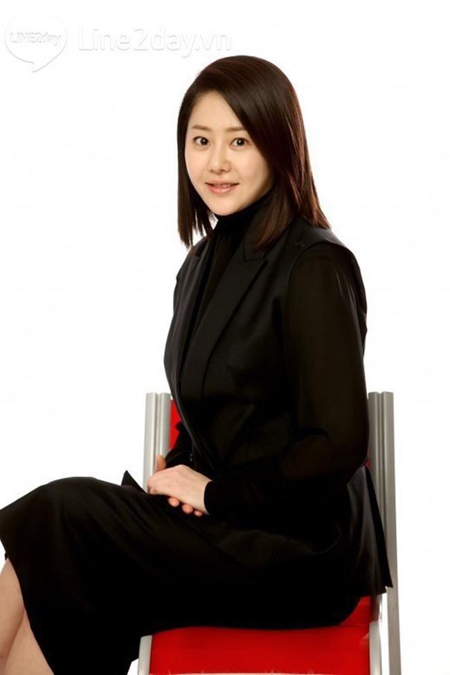 Bộ phim học đường ấn tượng nhất trong thời gian gần đây có lẽ là Lớp học của nữ hoàng do Go Hyun Jung thủ vai 'cô giáo ma nữ'.