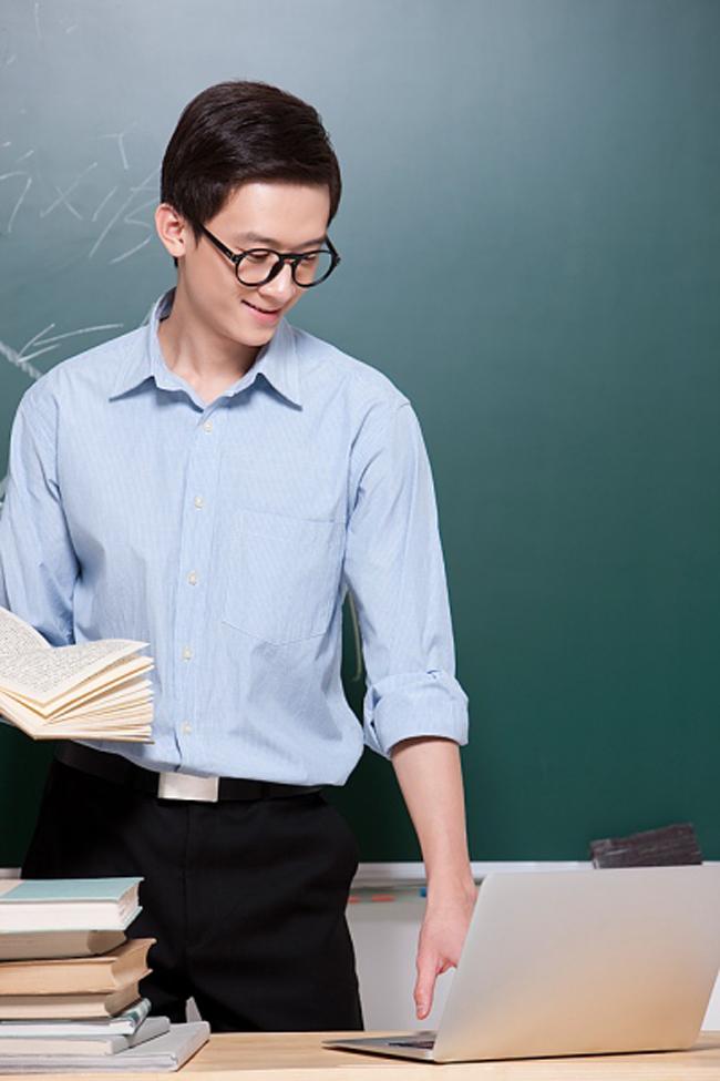 Mỗi khi cô cười, học sinh luôn cảm thấy an tâm và vui vẻ