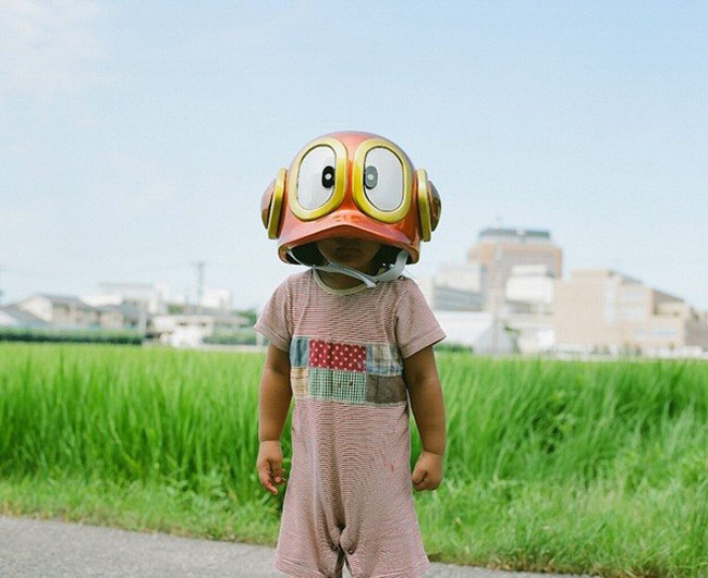 Tâm sự về bộ ảnh này, anh Nagano Toyokazu cho biết'Tôi muốn những bức ảnh này sẽ giúp các con tôi ghi nhớ được những khoảnh khắc hạnh phúc, vui vẻ khi chúng lớn lên. Đồng thời, hy vọng rằng bộ ảnh này sẽ giúp nhiều người trên thế giới hòa chung niềm vui với gia đình tôi.'  BÀI LIÊN QUAN  Mẫu giáoNhậtlàm tôi 'choáng váng'  Choáng: clip mẹNhậtchăm con 'thần tốc'  Hotgirl tiểu học đẹp như gái 20  Cặp song sinh Trung Quốc đẹp như tiên nữ  'Sốt xình xịch' với bộ ảnh em bé...bay  'Người đàn ông' đáng yêu của Kim Hiền  'Phát sốt' với cô bé 'Suri Việt Nam'  Mở to mắt nhìn dâuNhậtchăm con