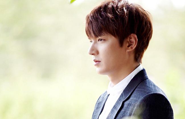Không chỉ biết diễn bằng cử chỉ, ánh mắt của Lee Min Ho cũng khiến khán giả đặc biệt thích thú.