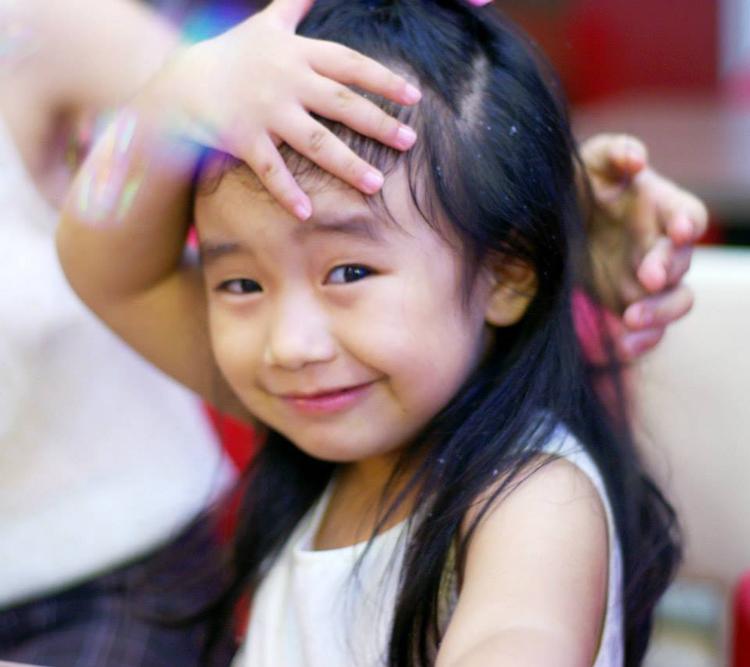 Chào cả nhà, con tên là Phạm Minh Ngọc, sinh ngày 01/01/2011.