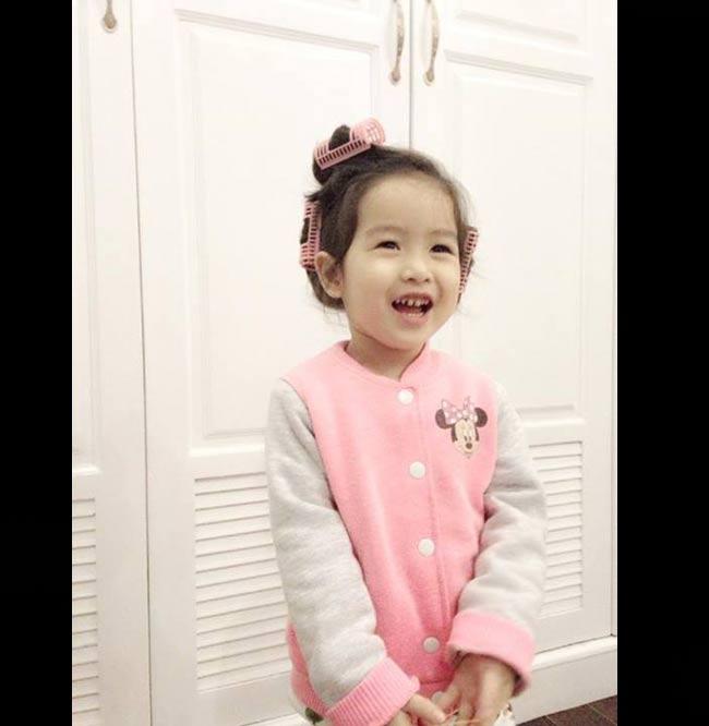 Theo lời kể của HLV Giọng hát Việt nhí, con gái cô rất thích màu hồng.