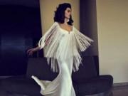 Thời trang - Xao động mùa cưới với váy tua rua