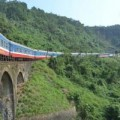 Tin hot - Trên cung đường sắt nguy hiểm bậc nhất Đông Dương
