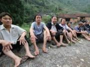 Chuyện lạ - Kỳ lạ cả làng mọc khối u, bóng nước khắp người
