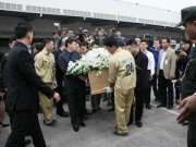 Tin tức - Đẫm nước mắt đón thi hài 3 mẹ con tử nạn trên MH17