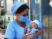 Tin trong nước - Bé sơ sinh 'văng khỏi bụng mẹ' đã xuất viện