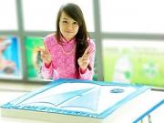 Bếp Eva - Minh Nhật MasterChef làm bánh tặng thầy cô giáo cũ