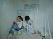 Dạy con - Cuộc sống vợ chồng của những 'bà mẹ nhí' 12 tuổi