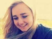 Giáo dục - Nữ sinh xinh đẹp tự tử vì bị bạn bắt nạt