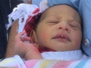 Tin tức - Mẹ nhẫn tâm vứt con mới sinh xuống cống suốt 5 ngày