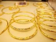Mua sắm - Giá cả - Ngân hàng tăng mua USD, vàng vẫn giảm