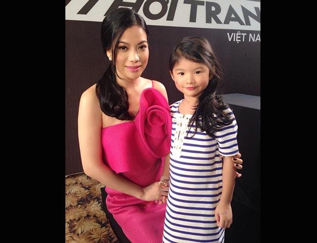 Cô con gái đáng yêu của cặp đôi nổi tiếng nhất showbiz một thời Trương Ngọc Ánh - Trần Bảo Sơn từ lâu vẫn được coi như hotgirl nhí xinh xắn nhất con số các con sao Việt.