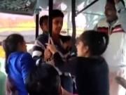 """Tin quốc tế - 2 chị em Ấn Độ đánh trả đám """"yêu râu xanh"""" trên xe buýt"""