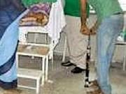 Tin tức - Sốc: Bác sỹ Ấn Độ triệt sản bằng... bơm xe đạp