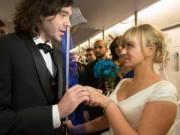 Chuyện tình yêu - Đám cưới thú vị trên tàu điện ngầm