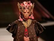 Sự kiện thời trang - Hoàng Thuỳ bí ẩn, ma mị trong thiết kế từ Thái Lan