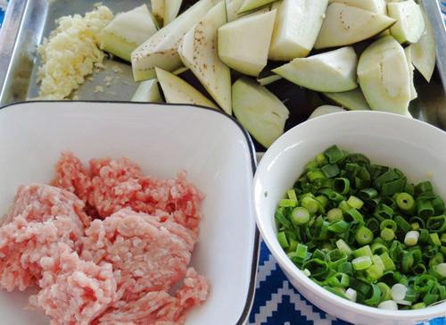 thịt băm xào cà tím (01)