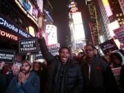Tin quốc tế - Nước Mỹ lại sôi sục vì vụ cảnh sát kẹp chết người