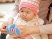 0-1 tuổi - Qui tắc mặc đồ cho trẻ sơ sinh mùa đông: 'Bốn ấm một lạnh'