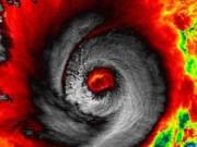 Tin nóng trong ngày - Đêm 8/12, siêu bão Hagupit vào tới Biển Đông