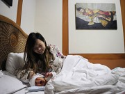 Làm mẹ - Mẹ Nhật sinh con từ trứng đông lạnh 12 năm