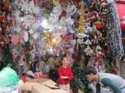Tin tức - Thị trường Noel 2014: Giá tăng vọt, khách đua nhau mua sớm
