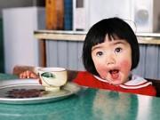 1-3 tuổi - 5 bài thuốc tự nhiên trị 'má nẻ cà chua' cho bé cực nhanh