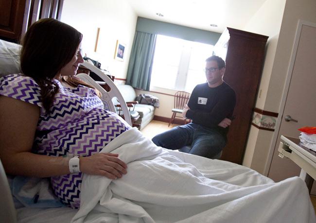 Ca sinh nở chào đón bé Maddie chào đời được thực hiện bởi nhiếp ảnh gia Boca Raton. Dù đây là lần sinh nở đầu tiên nhưng sản phụ rất tự tin và bình tĩnh.