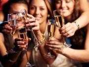 Sức khỏe - Cách uống rượu, bia ít gây hại sức khỏe trong kỳ nghỉ
