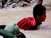 Tin tức - Xót xa cảnh trẻ em lặn ngụp mò quặng thiếc để sản xuất iPhone