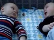 Clip Eva - Hai em bé sinh đôi nói chuyện cực dễ thương