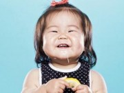 Clip Eva - Bé lần đầu ăn chanh siêu đáng yêu