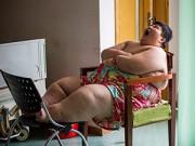 Làm mẹ - Cậu bé 14 tuổi nặng 300kg vì sức ăn kinh khủng