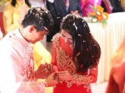Làng sao - Thủy Tiên - Công Vinh hạnh phúc trao nhẫn cưới
