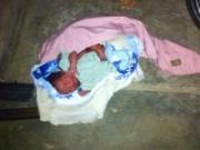 Tin tức - Trẻ sơ sinh chưa cắt rốn bị bỏ rơi ở chùa Hội Phước