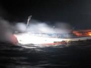 Tin tức - Tàu cá Hàn Quốc bốc cháy, 2 thuyền viên người Việt mất tích