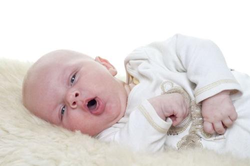 Kết quả hình ảnh cho trẻ sơ sinh bị ho