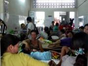 Tin tức - Phụ huynh bệnh nhi khổ sở với dịch sốt xuất huyết