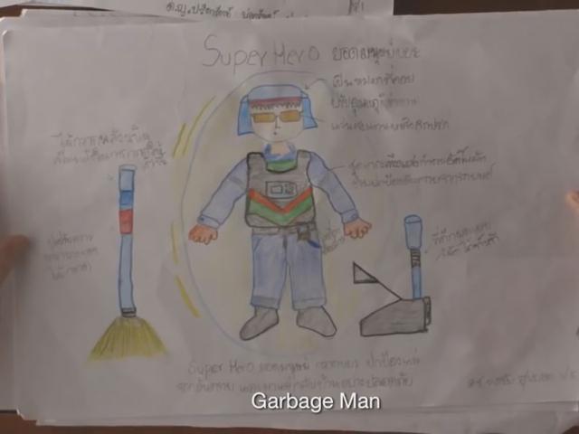 Cậu bé ước mơ thành siêu nhân lao công để giúp mẹ