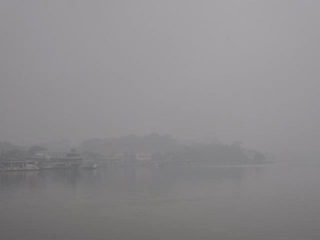 Ảnh: Hà Nội thoắt ẩn thoắt hiện trong sương mù mùa thu