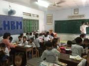 Tin tức - Bà cụ 80 tuổi với lớp học miễn phí ở giữa Sài Gòn