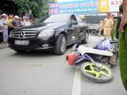 Tin tức - Dựng lại hiện trường vụ chồng lái xe đâm vợ rồi bỏ chạy