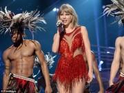 Taylor Swift đệ đơn kiện DJ cố ý sàm sỡ cô