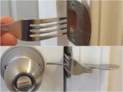 Clip Eva - Dùng dĩa chống trộm, khóa cửa nhà vệ sinh công cộng