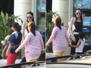 Làng sao - Angelina Jolie thích ngắm các em bé Campuchia trên phố