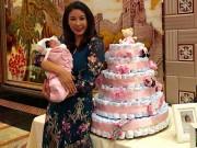 Làng sao - HH Hà Kiều Anh làm tiệc đầy tháng hoành tráng cho con gái